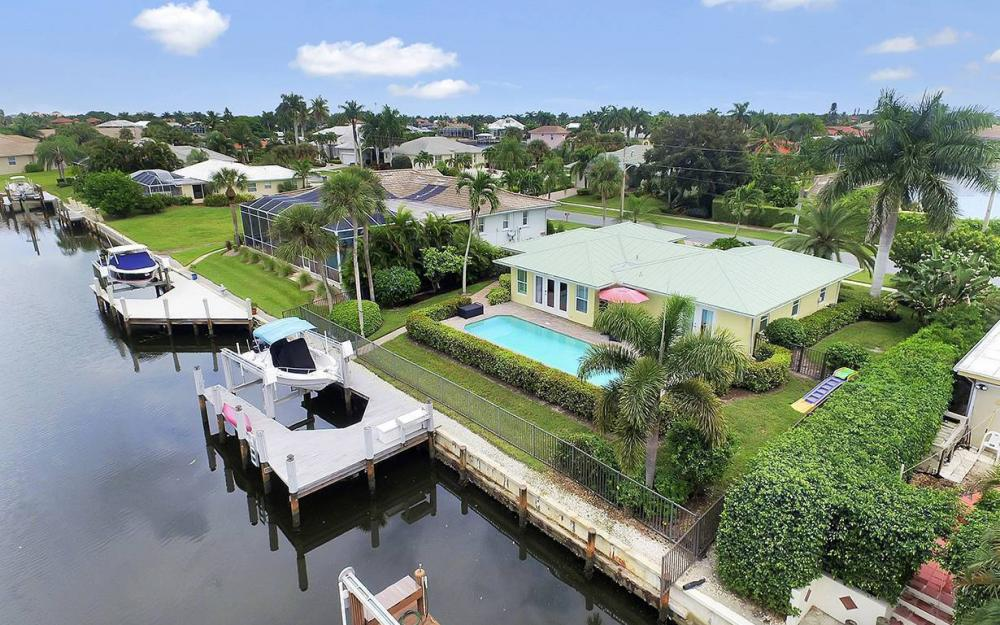 16 Buttercup Ct, Marco Island - House For Sale 1087454572