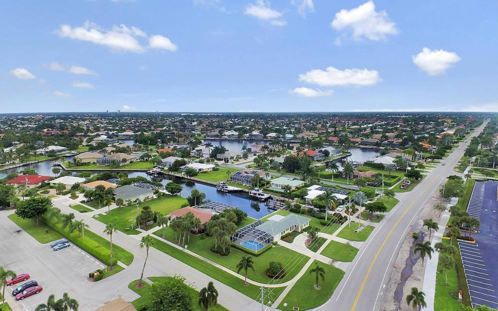 16 Buttercup Ct, Marco Island - House For Sale 44129255