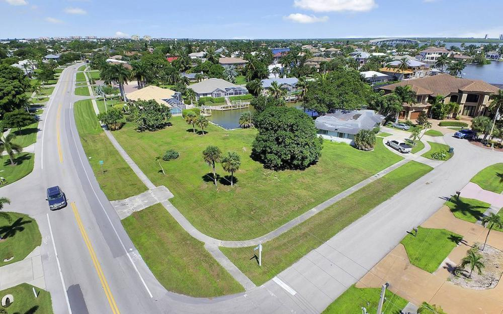 517 N Barfield Dr, Marco Island - Lot For Sale 1577924442