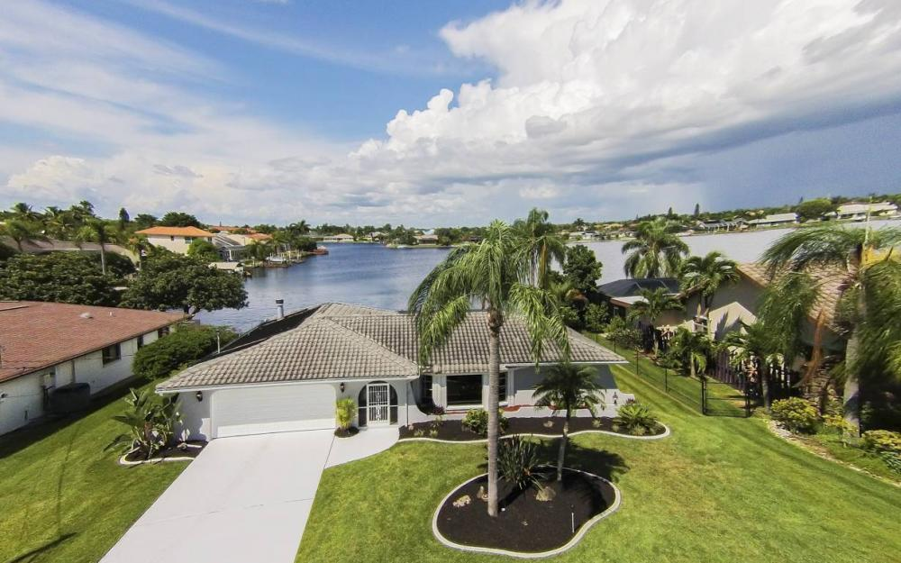 517 SW 51st Ter, Cape Coral - House For Sale 232834858