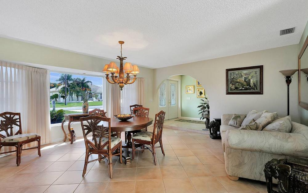 517 SW 51st Ter, Cape Coral - House For Sale 262519095