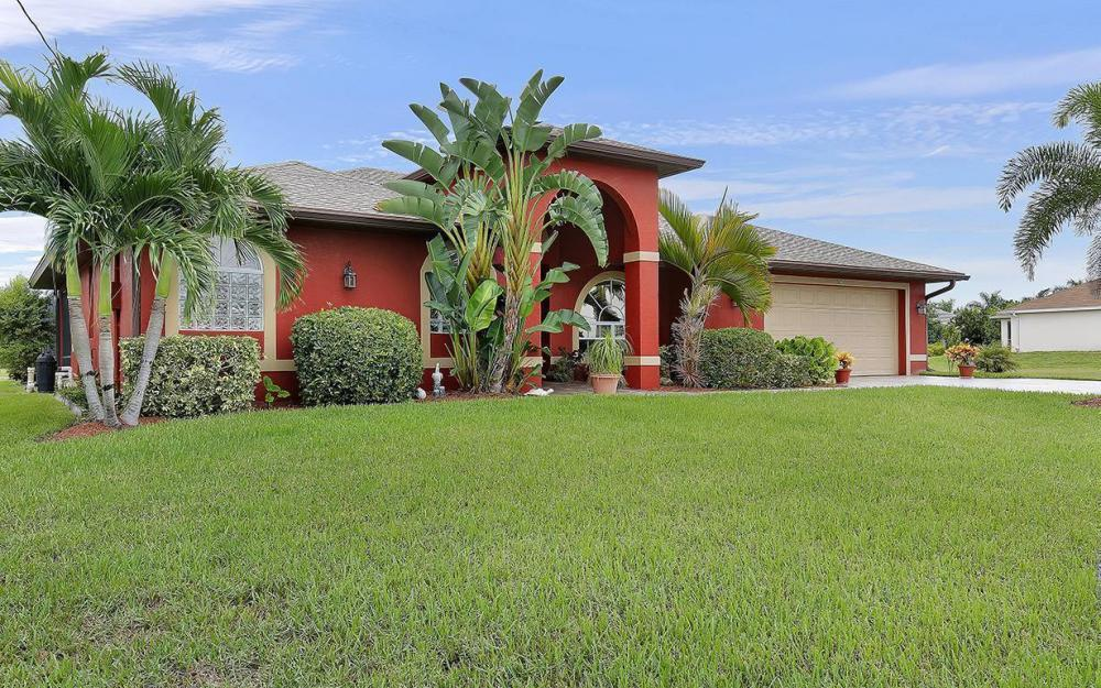 2603 Surfside Blvd, Cape Coral - House For Sale 89604430