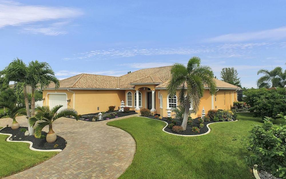 1505 SE 4th St, Cape Coral - House For Sale 1536125055