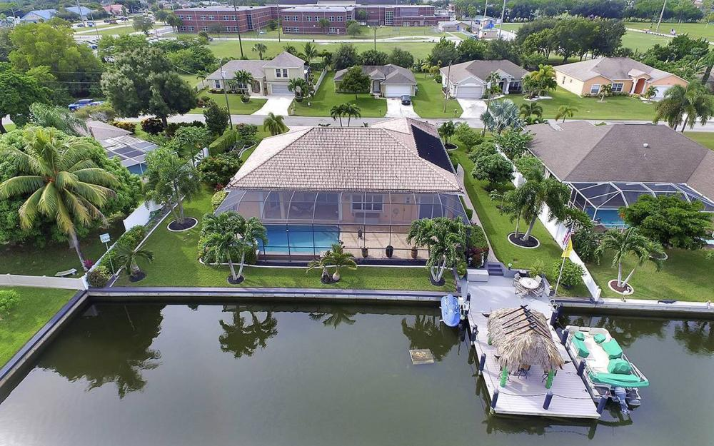 1505 SE 4th St, Cape Coral - House For Sale 929882543