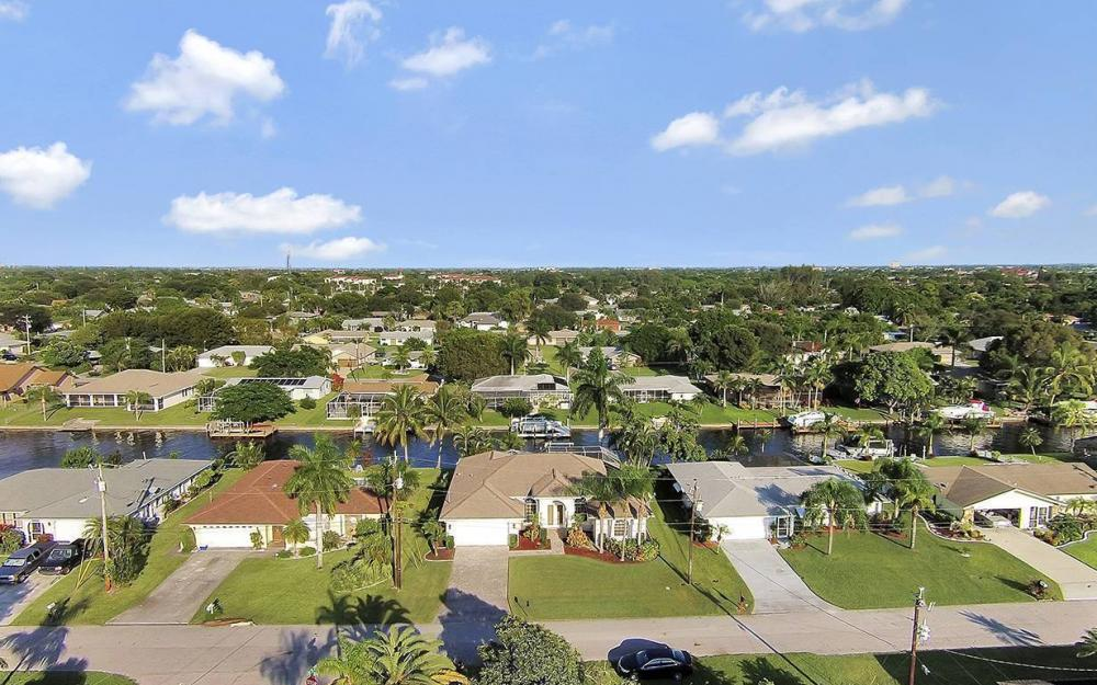 4009 SE 1st Ave, Cape Coral - House For Sale 928810624