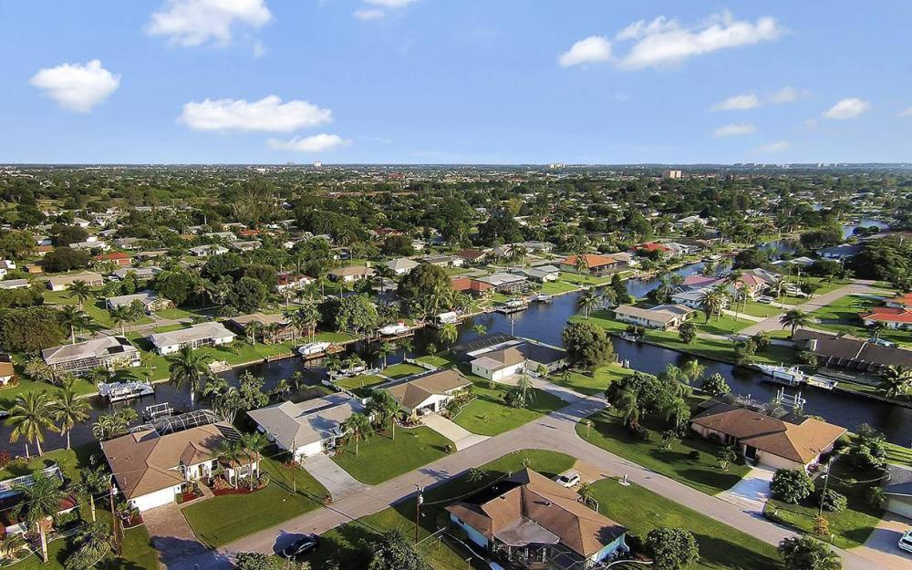 4009 SE 1st Ave, Cape Coral - House For Sale 651318832