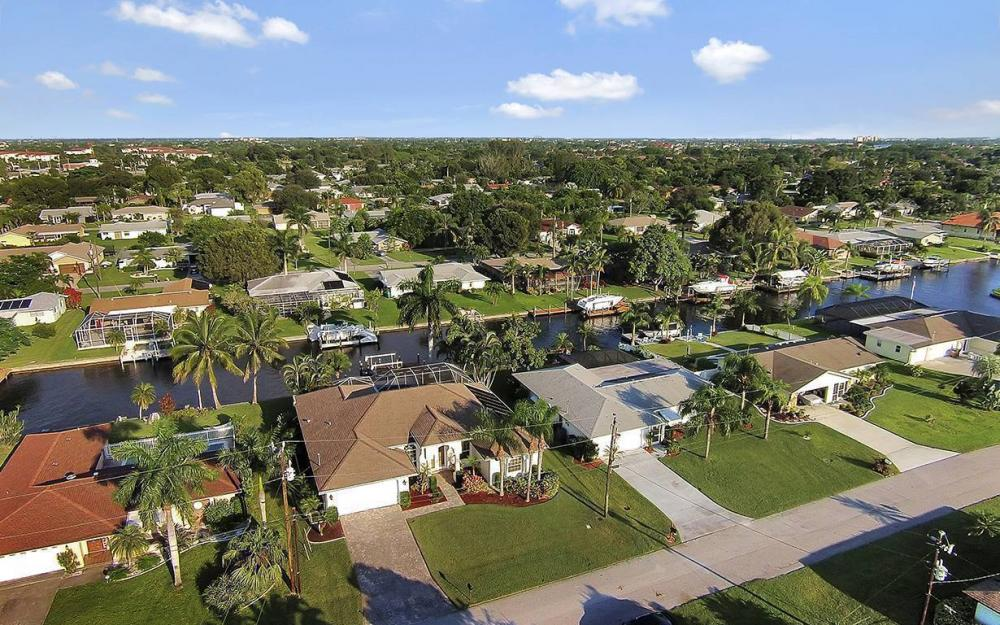 4009 SE 1st Ave, Cape Coral - House For Sale 1948526174