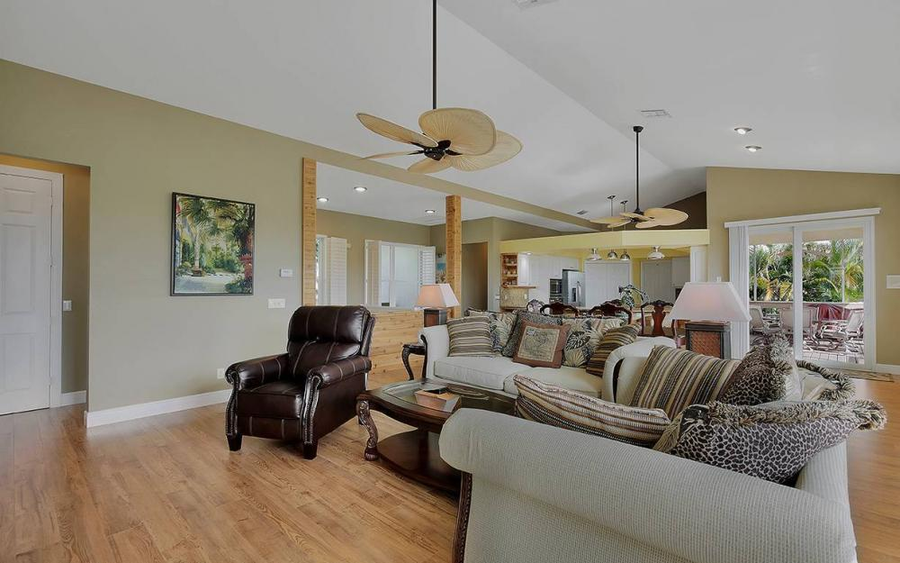 844 Milan Ct, Marco Island - House For Sale 305968869