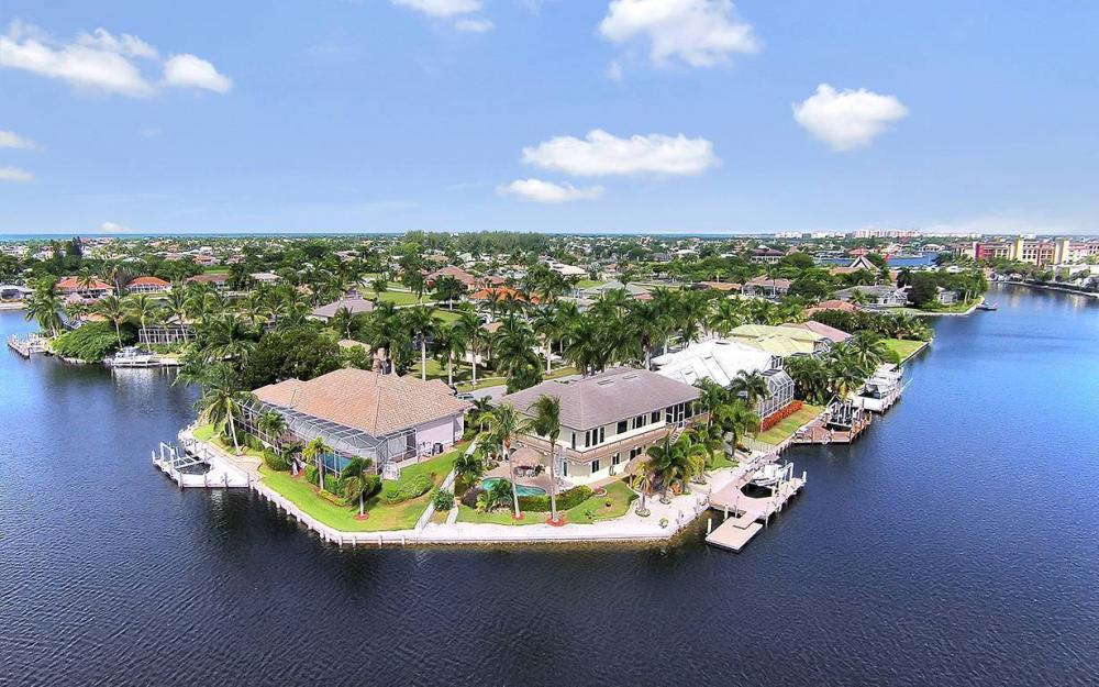 844 Milan Ct, Marco Island - House For Sale 714072158