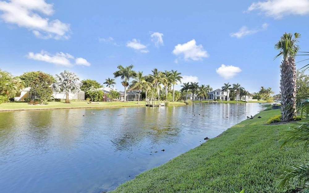 14690 Laguna Dr, Fort Myers - House For Sale 1188907765