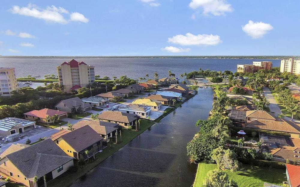 14690 Laguna Dr, Fort Myers - House For Sale 1231829255