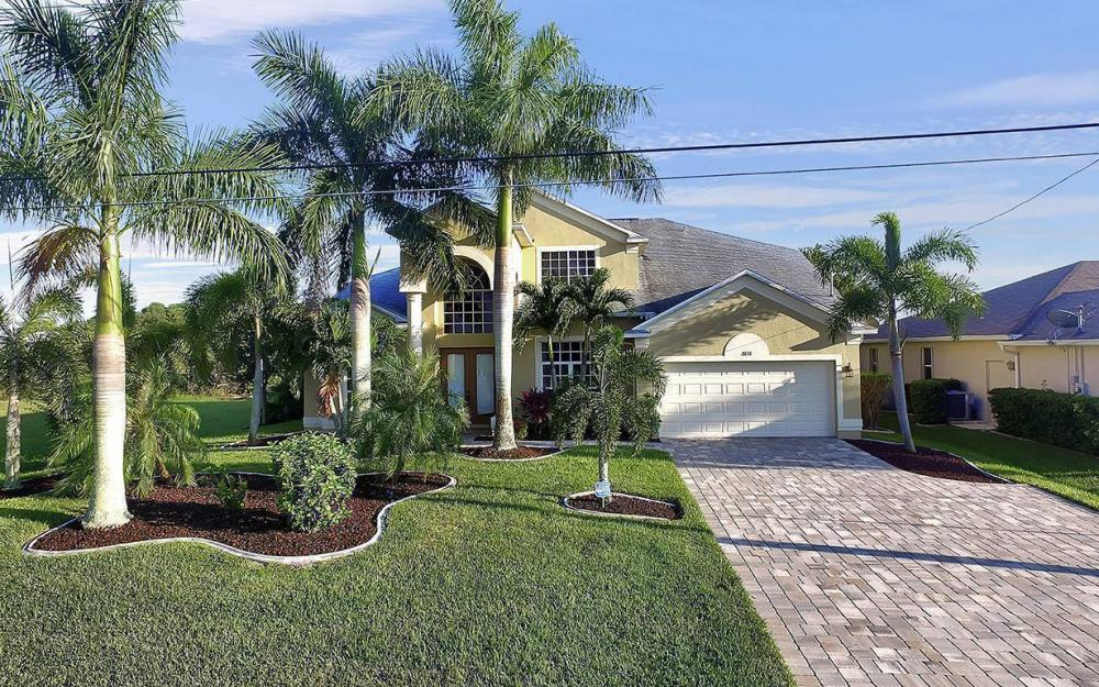 2616 Surfside Blvd, Cape Coral - House For Sale 1097038161