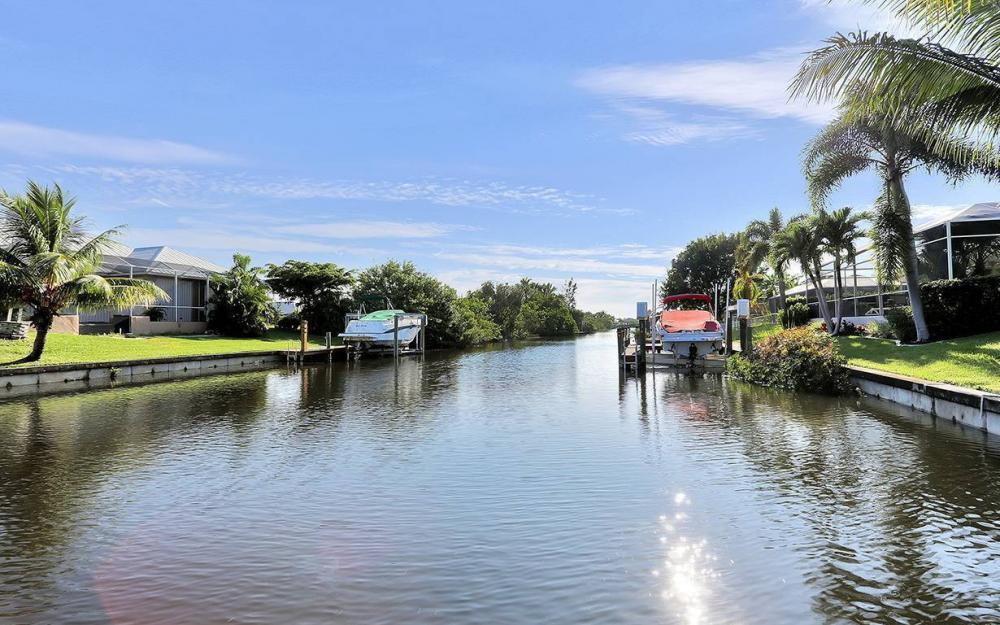 2616 Surfside Blvd, Cape Coral - House For Sale 858583887