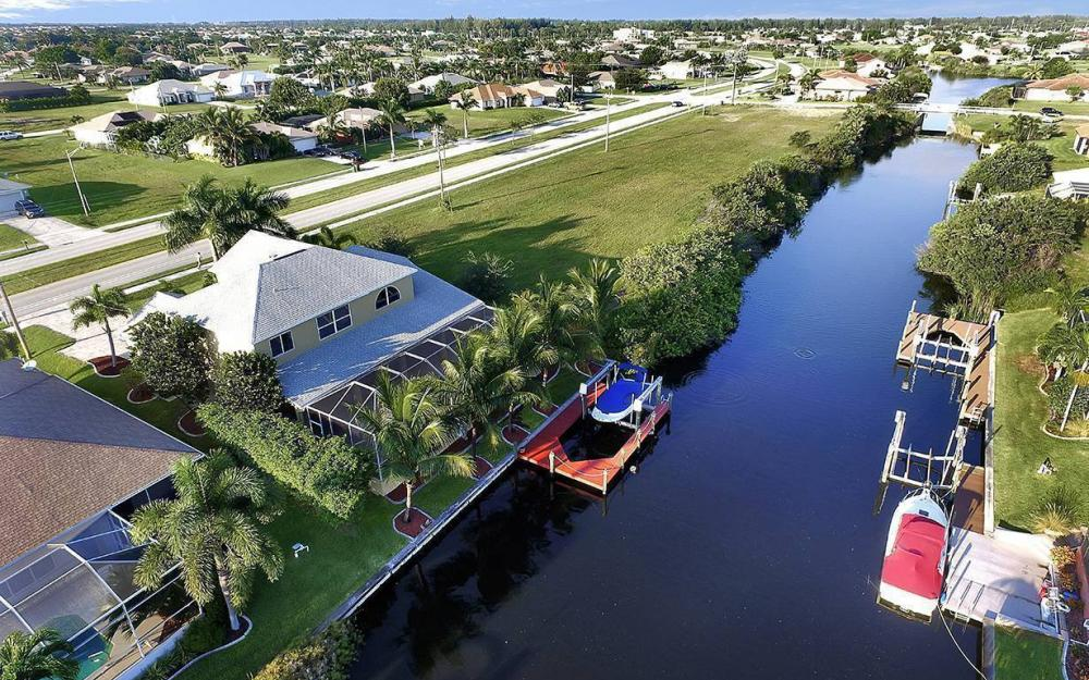 2616 Surfside Blvd, Cape Coral - House For Sale 519990080