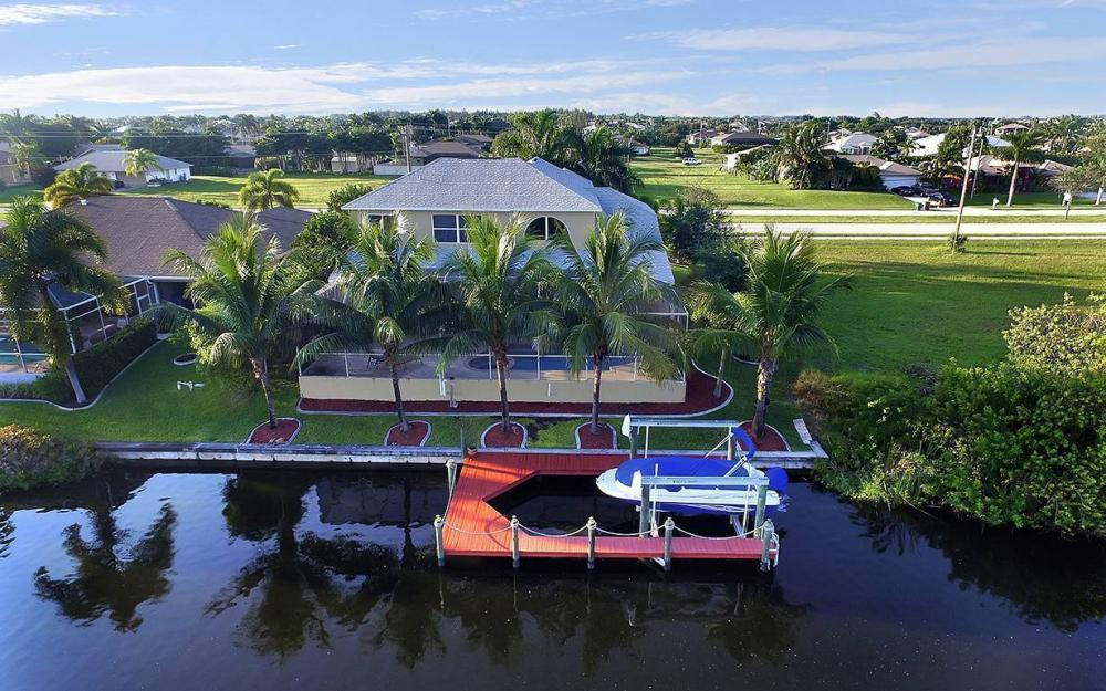 2616 Surfside Blvd, Cape Coral - House For Sale 1184242637
