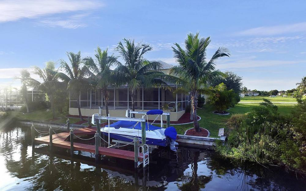 2616 Surfside Blvd, Cape Coral - House For Sale 96256520