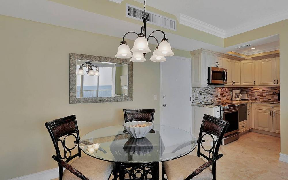 140 Seaview Ct, Marco Island - Condo For Sale 2022459961