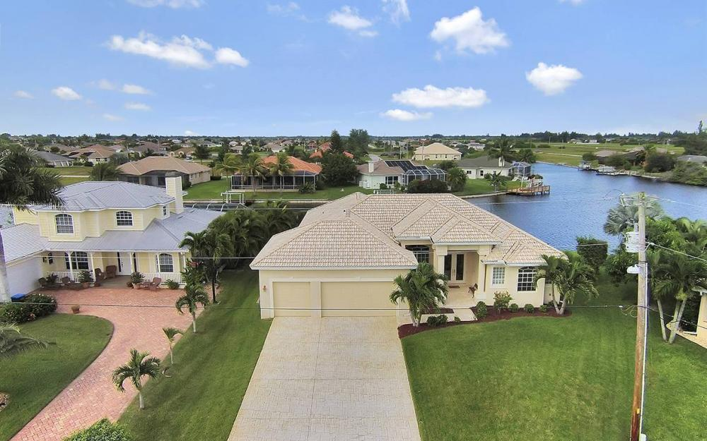 3303 NW 2nd St, Cape Coral - House For Sale 1714381614
