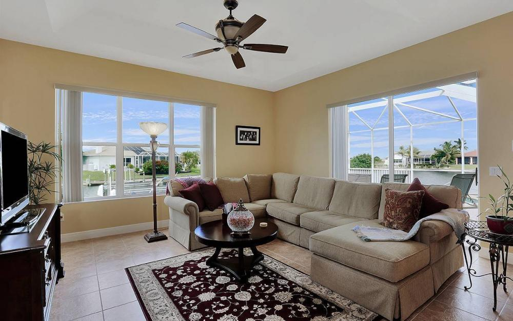3303 NW 2nd St, Cape Coral - House For Sale 1149181738