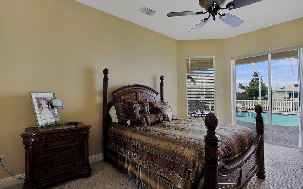 3303 NW 2nd St, Cape Coral - House For Sale 256167946