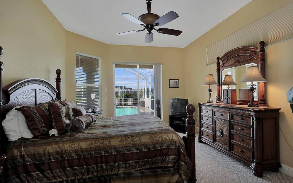 3303 NW 2nd St, Cape Coral - House For Sale 1169318435