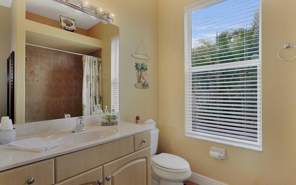 3303 NW 2nd St, Cape Coral - House For Sale 1131991787