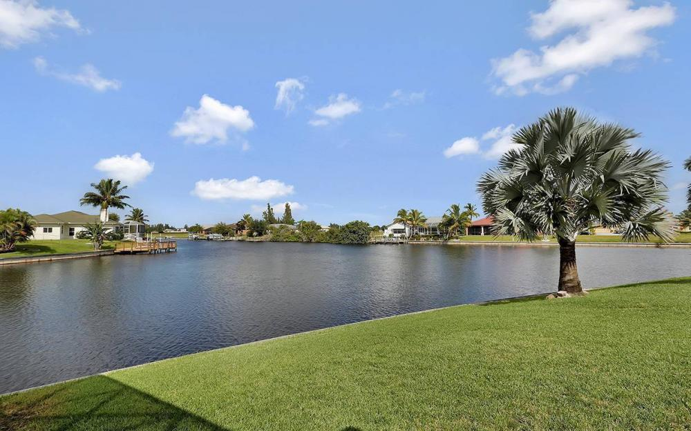 3303 NW 2nd St, Cape Coral - House For Sale 375959013