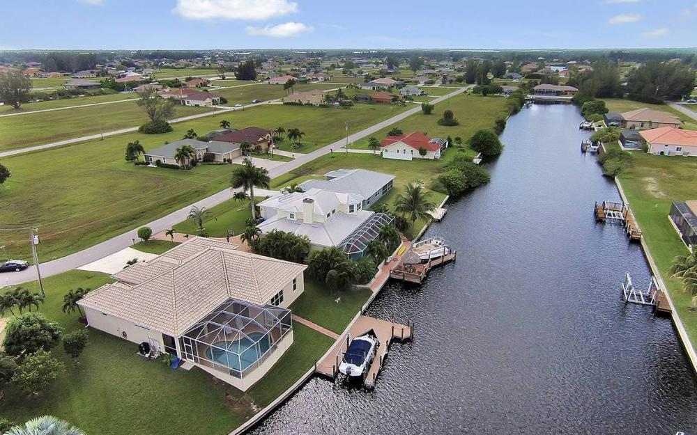 3303 NW 2nd St, Cape Coral - House For Sale 1164294959