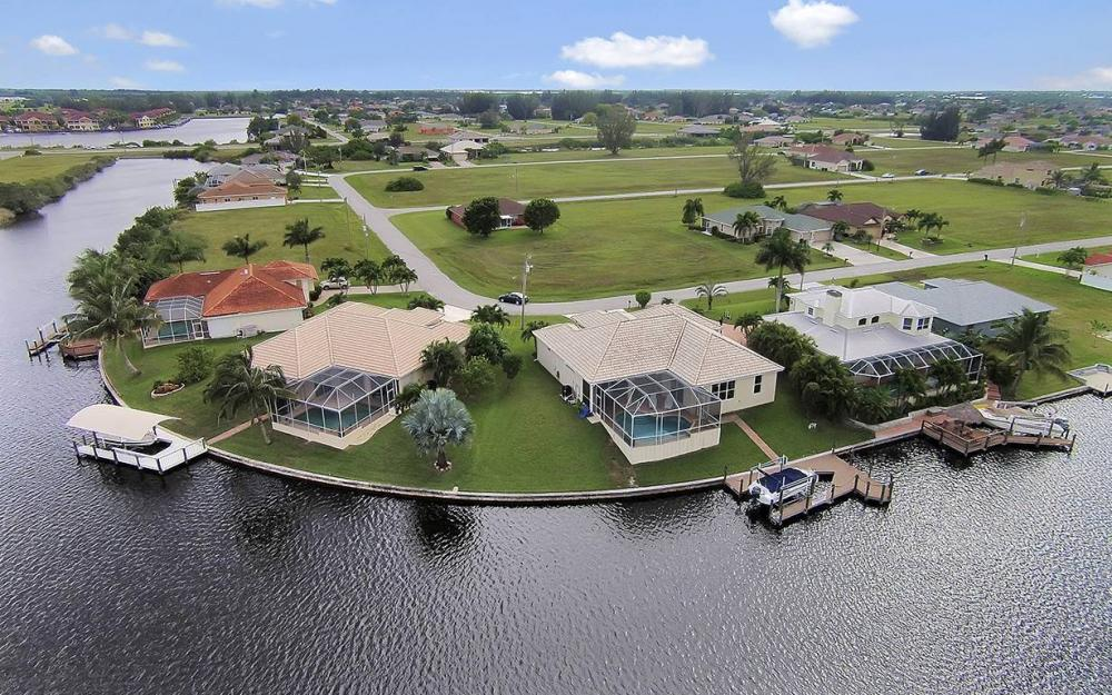 3303 NW 2nd St, Cape Coral - House For Sale 24857645