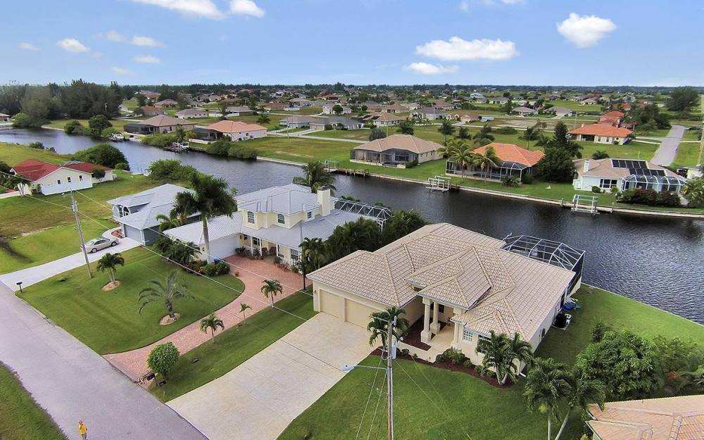 3303 NW 2nd St, Cape Coral - House For Sale 607607561
