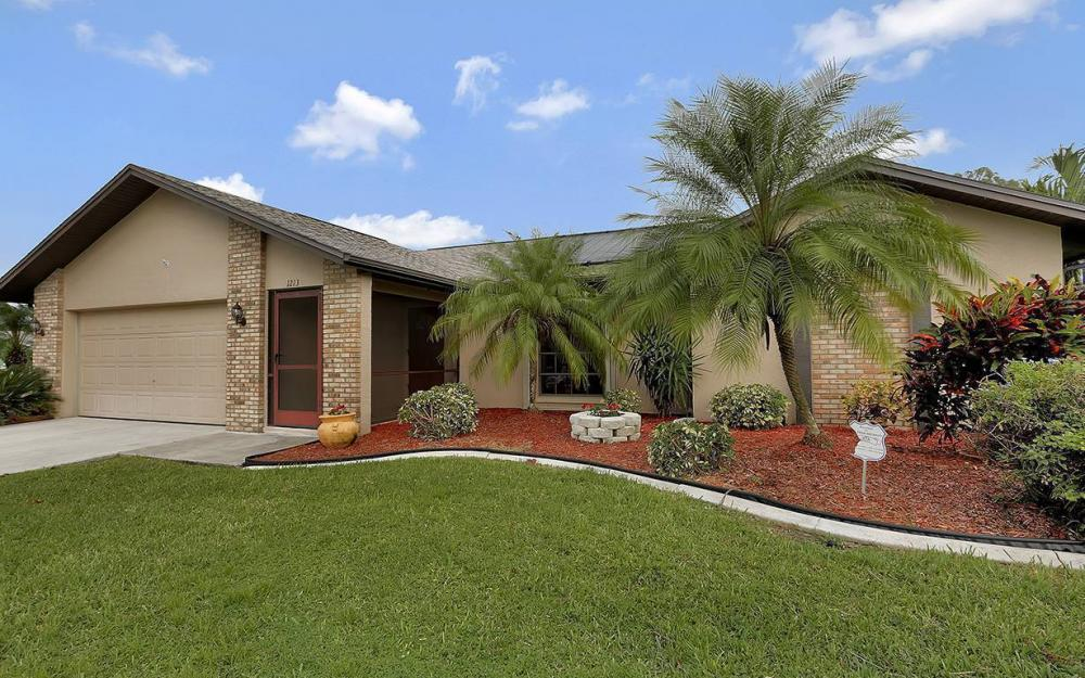 1213 SW 11th Ave, Cape Coral - House For Sale 1072312221