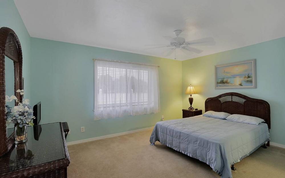 1213 SW 11th Ave, Cape Coral - House For Sale 1138702241