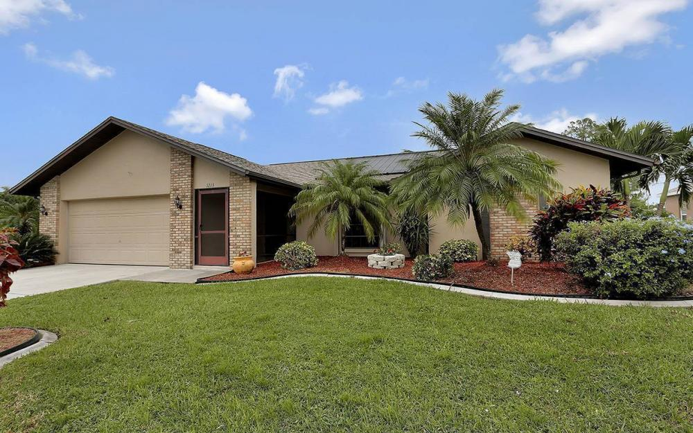 1213 SW 11th Ave, Cape Coral - House For Sale 2030544960