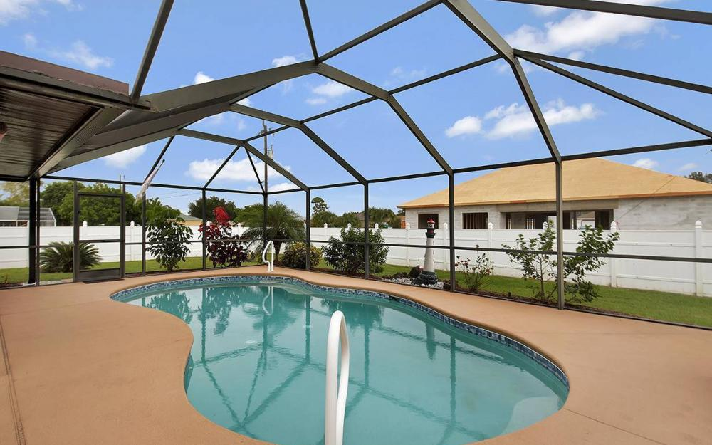 1213 SW 11th Ave, Cape Coral - House For Sale 406108970