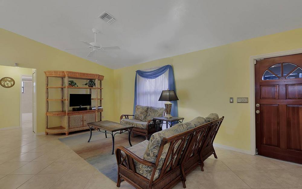 1213 SW 11th Ave, Cape Coral - House For Sale 1121858374