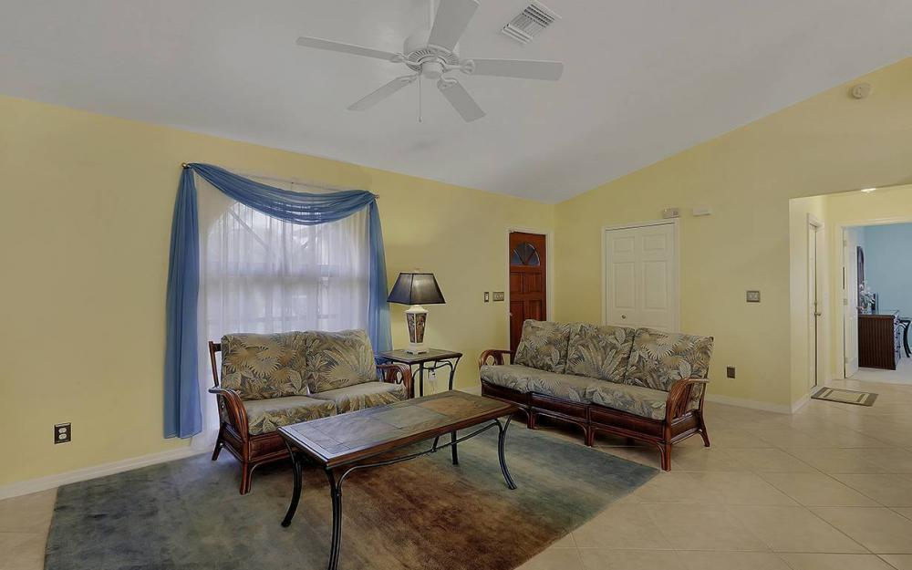 1213 SW 11th Ave, Cape Coral - House For Sale 1071908177