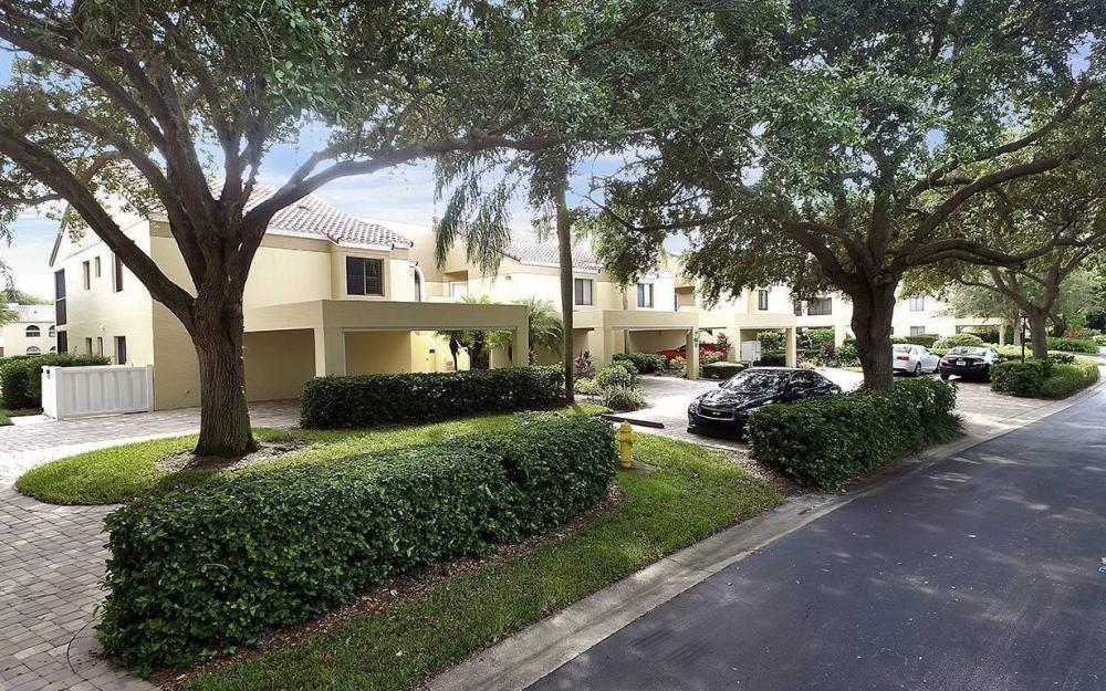 583 Beachwalk Cir #Q-204, Naples - Condo For Sale 401957489