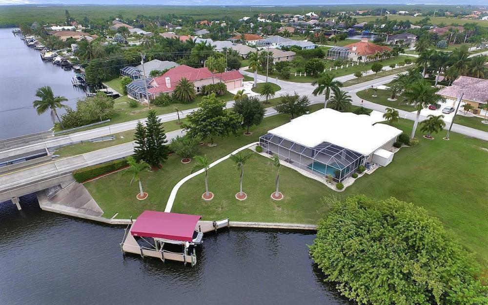 2730 SW 51st St, Cape Coral - House For Sale 2040610072