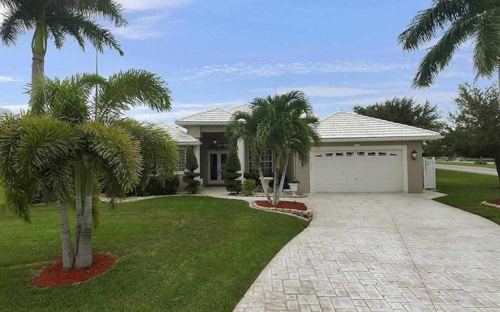 2730 SW 51st St, Cape Coral - House For Sale 400641667