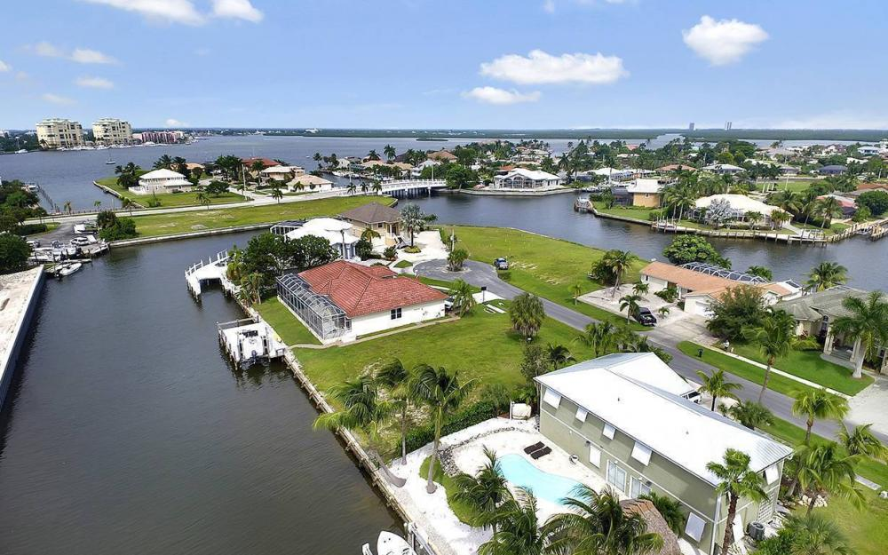 872 Rose Ct, Marco Island - Lot For Sale 1310151557