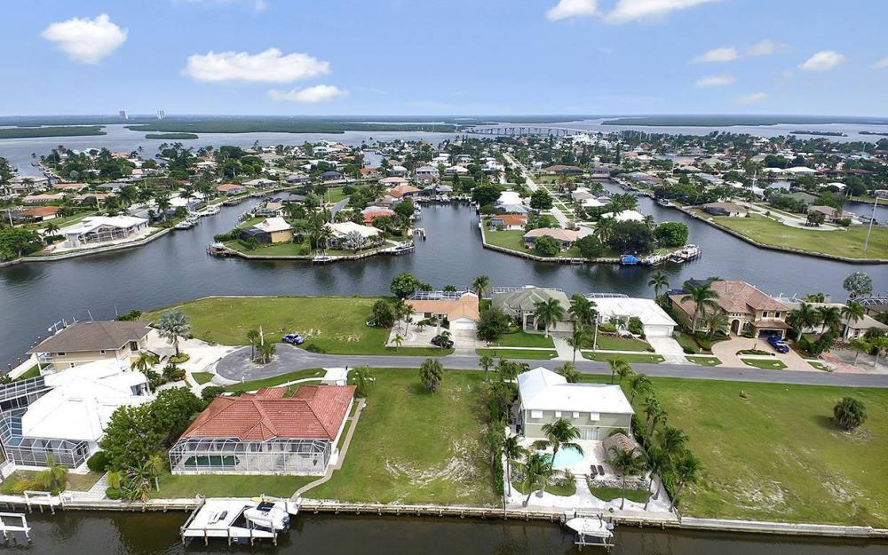 872 Rose Ct, Marco Island - Lot For Sale 1064173174