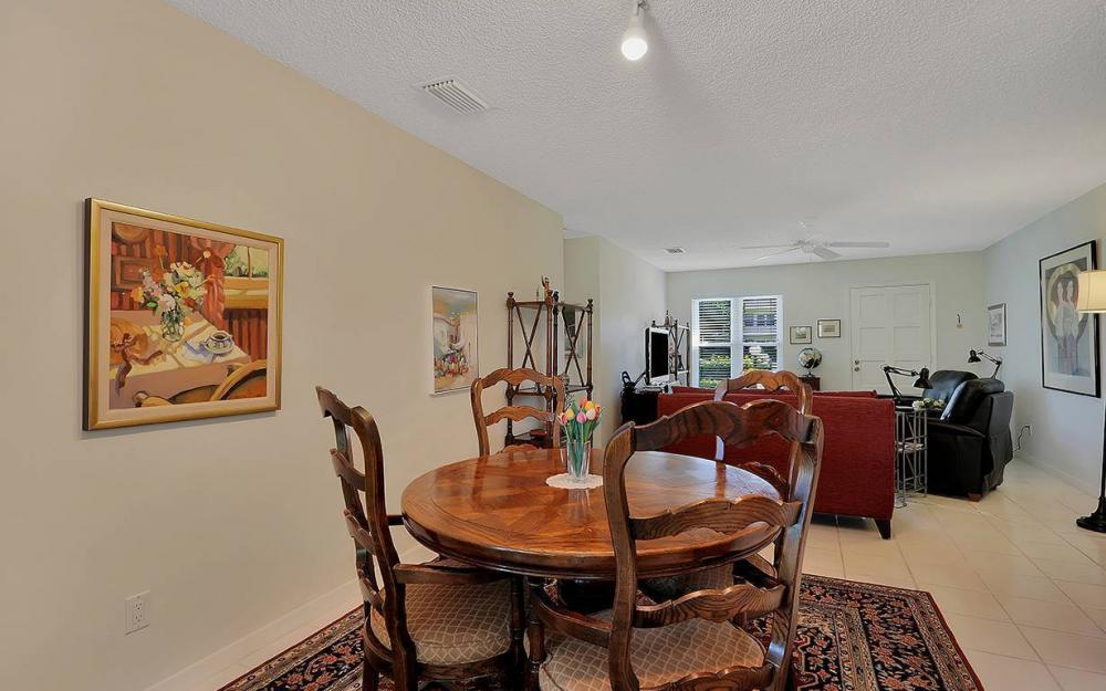 1021 Forest Lakes Dr, Naples - House For Sale 975216953