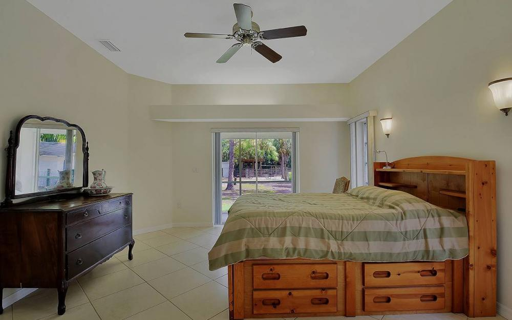 1380 Massey St, Naples - House For Sale 1136163746