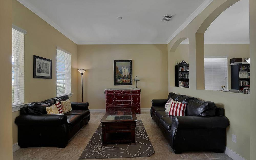 1801 Cayon Ct, Cape Coral - House For Sale 38128498