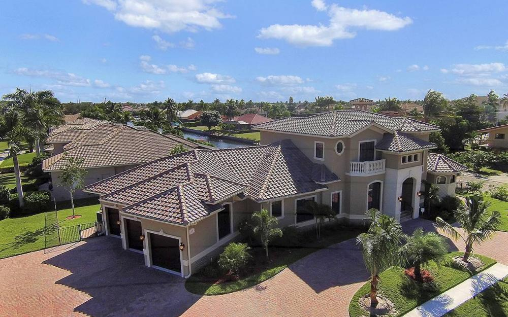 33 Copperfield Ct, Marco Island - House For Sale 1609381871