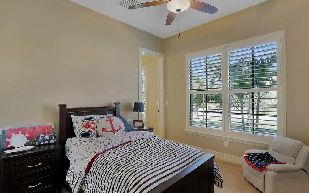 33 Copperfield Ct, Marco Island - House For Sale 532924864