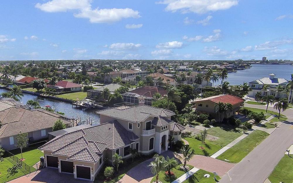 33 Copperfield Ct, Marco Island - House For Sale 373324771
