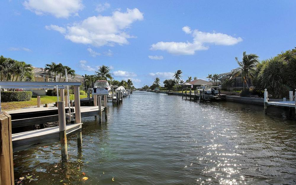 33 Copperfield Ct, Marco Island - House For Sale 941408099