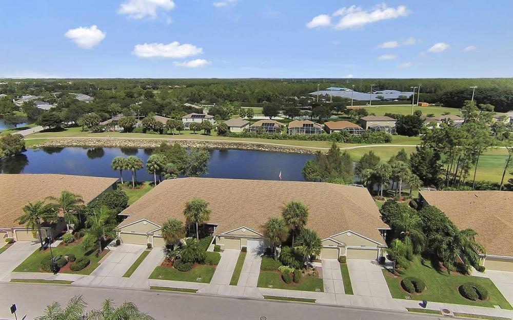 21425 Knighton Run, Estero - House For Sale 872263063