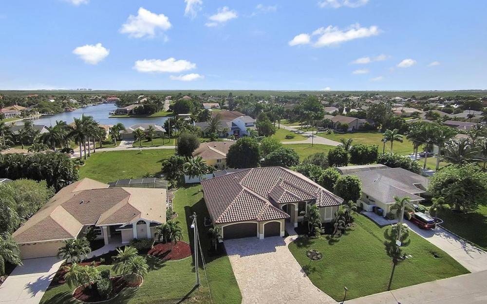 2624 SW 52nd Ter, Cape Coral - House For Sale 103640792